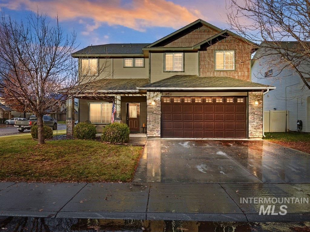 Check out this beautiful custom Aspen Homes w/ a great open & spacious plan. This home has 9' main level ceilings, a gas fireplace in family room , large kitchen & large pantry, 16x18 master suite, master bath has double vanity w/a separate corner tub & shower. Updates to this home include New Exterior/Interior Paint, new vinyl fence, new luxury carpet w/an upgraded pad, kitchen cabinets have been professional updated with new paint. Walking distance to Settlers Park, shopping & schools. This 1 will go Fast