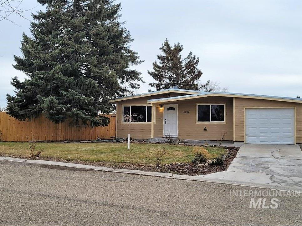 9205 RANDOLPH, Nampa, Idaho 83686, 3 Bedrooms, 1 Bathroom, Residential For Sale, Price $249,900, 98791013