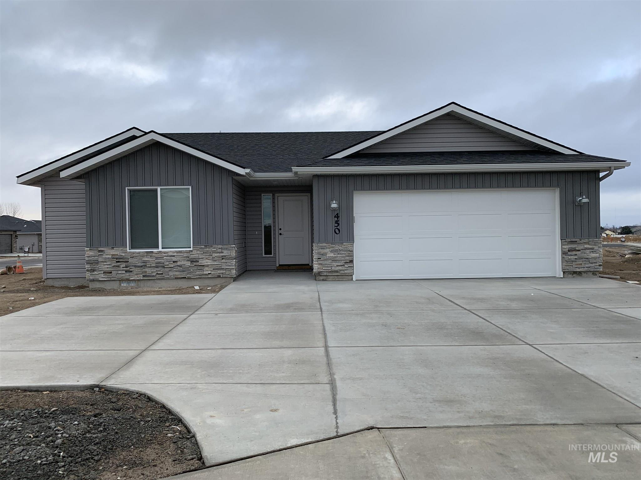 450 Southwood Ave W, Twin Falls, Idaho 83301, 3 Bedrooms, 2 Bathrooms, Rental For Rent, Price $1,900, 98791285
