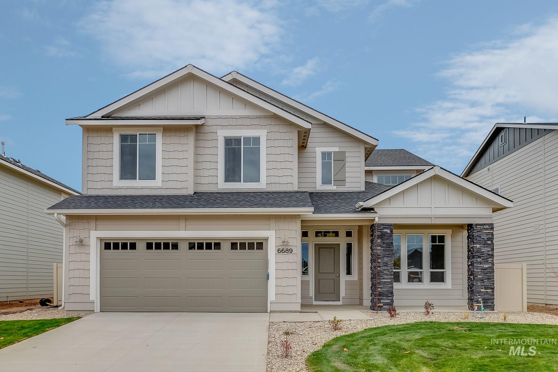 The Coronado 2342 has all the space you could need. Guests are welcomed with great open spaces. Come cook and entertain in this gorgeous kitchen that has Quartz counter tops, full back splash, SS appliances, upgraded cabinets, partial fencing and more! Photos are Similar. RCE-923