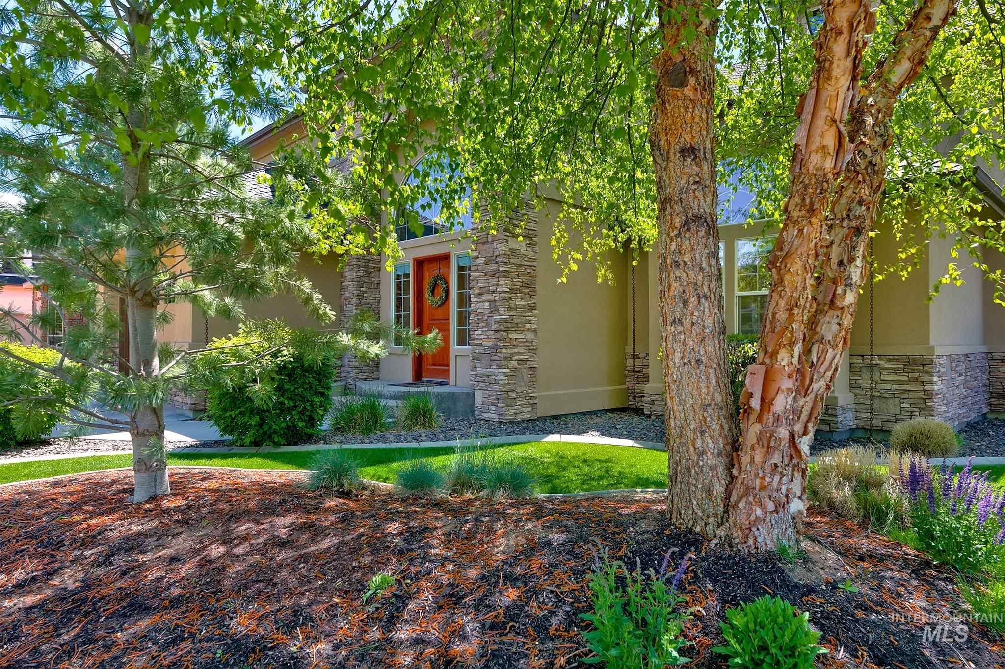 877 W Headwaters Dr., Eagle, ID 83616