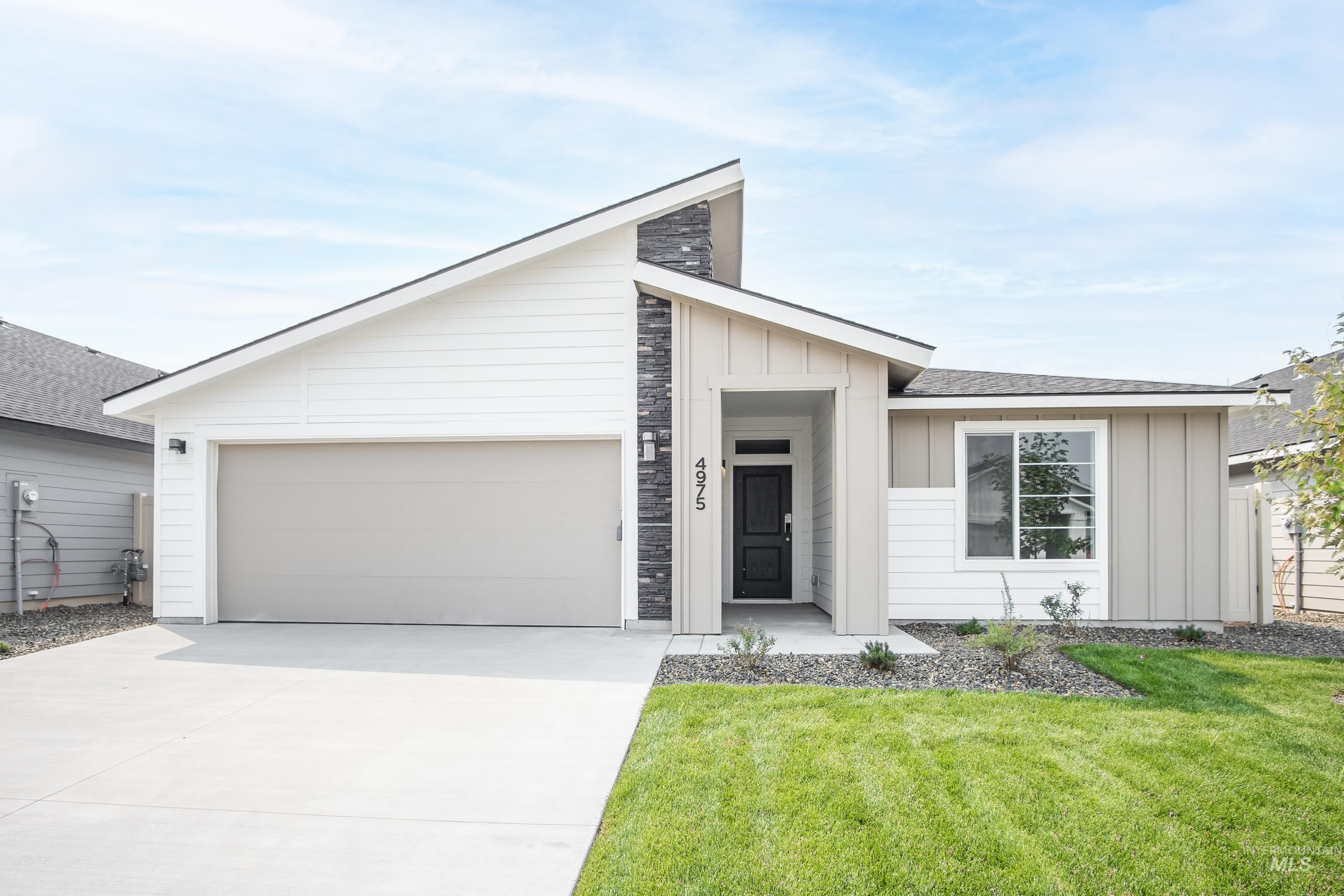 Get $15k with our CASH BOOM HOME PROMO NOW thru 9/30. Want to tour this home NOW? Get on-demand access with TOUR NOW.  The Willow 1860 has 4 great sized beds and 2 full baths. The open kitchen flows seamlessly into the dining room & out to the back patio where you can sit back and relax. Price includes dual vanities, upgraded cabinets, evp flooring, rear fencing, covered patio, and many more features.  RCE-923 - Teschia Tucakovic, Voice: 208-724-4201, CBH Sales and Marketing, Main: 208-288-5560, https://www.cbhhomes.com