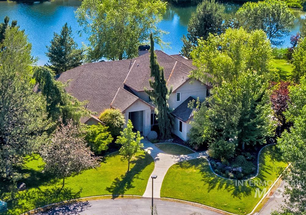 1597 S Whitby Ln, Eagle, ID 83616