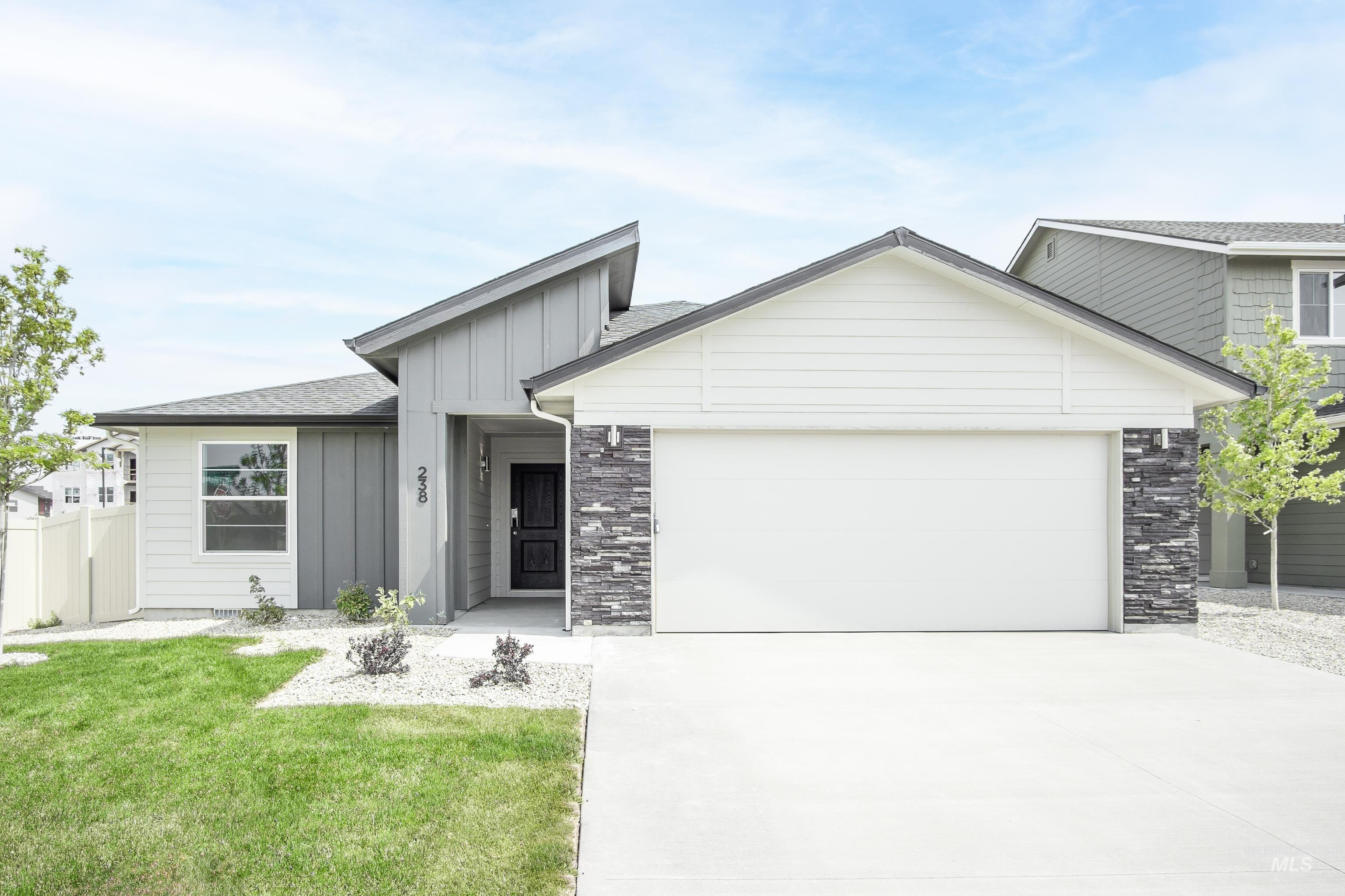 Get $25k with our Buy Now, Get More Promo NOW thru 7/31. Want to tour this home NOW? Get on-demand access with Tour Now! Welcome to the new Bennett 1694, a single level dream home just waiting for you! Your master suite awaits w/ a walk in closet, while your two additional bedrooms & flex room are just around the corner. Includes an open living room, dining, and kitchen or spill out onto your back patio for some fresh air. Home has ss appliances, granite kitchen counter, & more. Photos are similar. RCE-923.