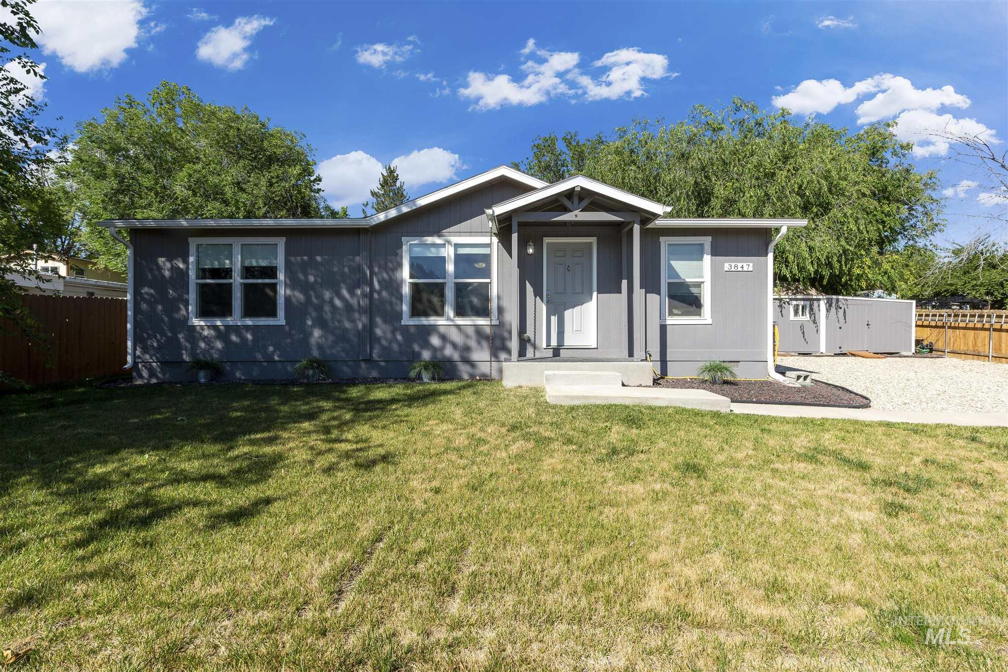 LOCATION! No HOA.   This 3bed/2bath split level home is located in a quiet neighborhood just minutes away from freeway access, schools, shopping and entertainment.   It features laminate flooring throughout the home, has beautiful curb appeal, and the double shed is an added bonus as well. Washer/Dryer included as well as all kitchen appliances. Blink and you'll miss it! BTVAI