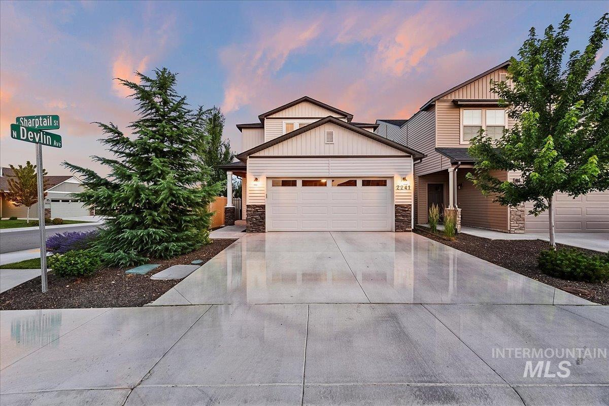 This Flagstaff plan by Blackrock Homes lives larger than the square-footage. Rich cabinetry w/ tile backsplash, granite counters throughout. Large walk-in pantry, built-in workspace off the kitchen w/ an additional built-in desk in the loft. HOA includes landscape maintenance and water, yard mowing, and sprinkler repair.