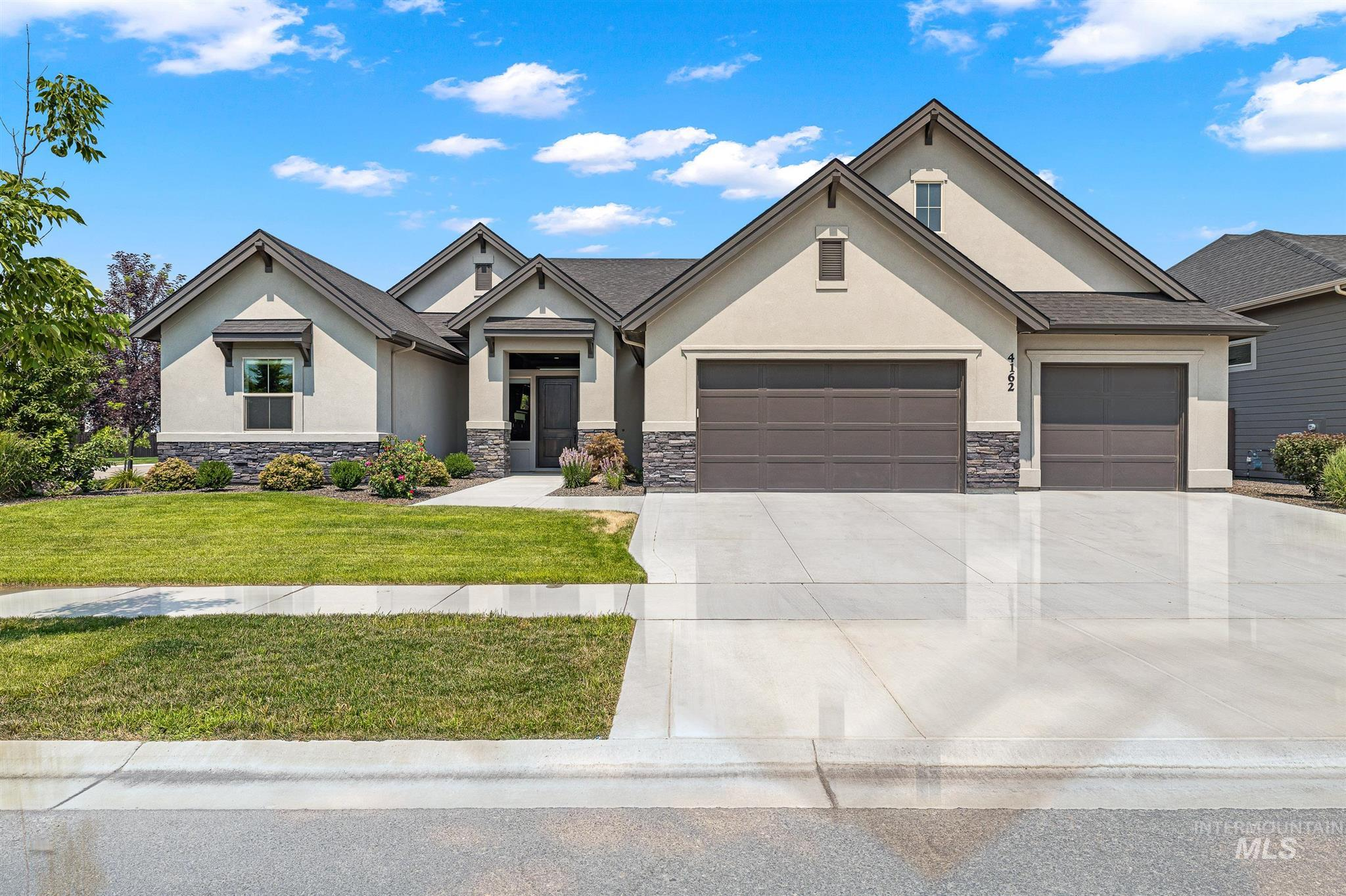 """Stunning single level design with all the bells & whistles you've come to expect from James Clyde Homes: Extensive hardwood, amazing stainless steel Thermador appliances, custom built kitchen cabinets, breathtaking trim work & detail that only a true Craftsman can deliver. Check out the 3+ car garage that includes epoxy flooring! """"Discover what """"no compromises"""" feels like. Walking distance of the community pool, park, close to Schools, Shopping and easy Freeway Access. Everything is done! BTVAI"""