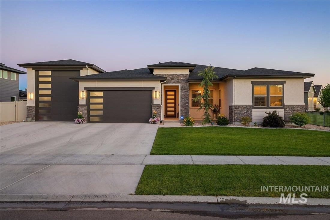 Sky Mesa Jewel, One of a kind, Immaculately cared for inside/out. Too many upgrades to list. 1 level, 3 bed, 2.5 bath, Den/office, Hardwood, Master Suite, Tile walk-in shower, 46x16 RV Bay, Soft close Cabinets, 10'ceilings, 8' doors, Extended drive way. Large corner lot. 14' Tall RV Bay  door. No rear or side neighbors. BTVAI