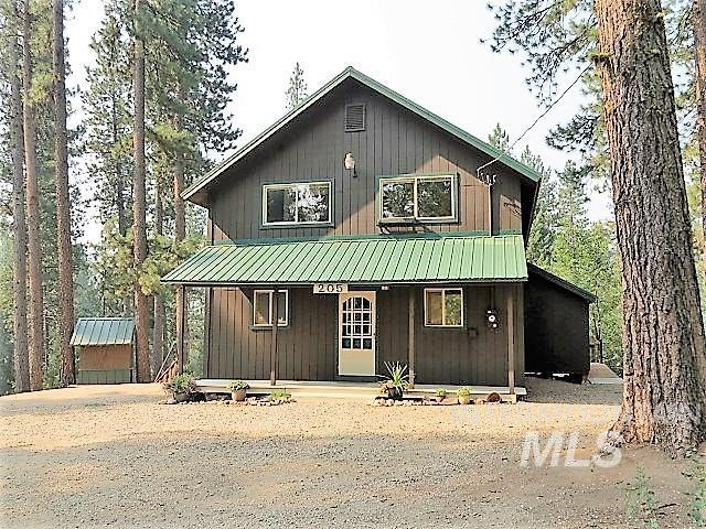 205 Holiday Dr., Garden Valley, ID 83622