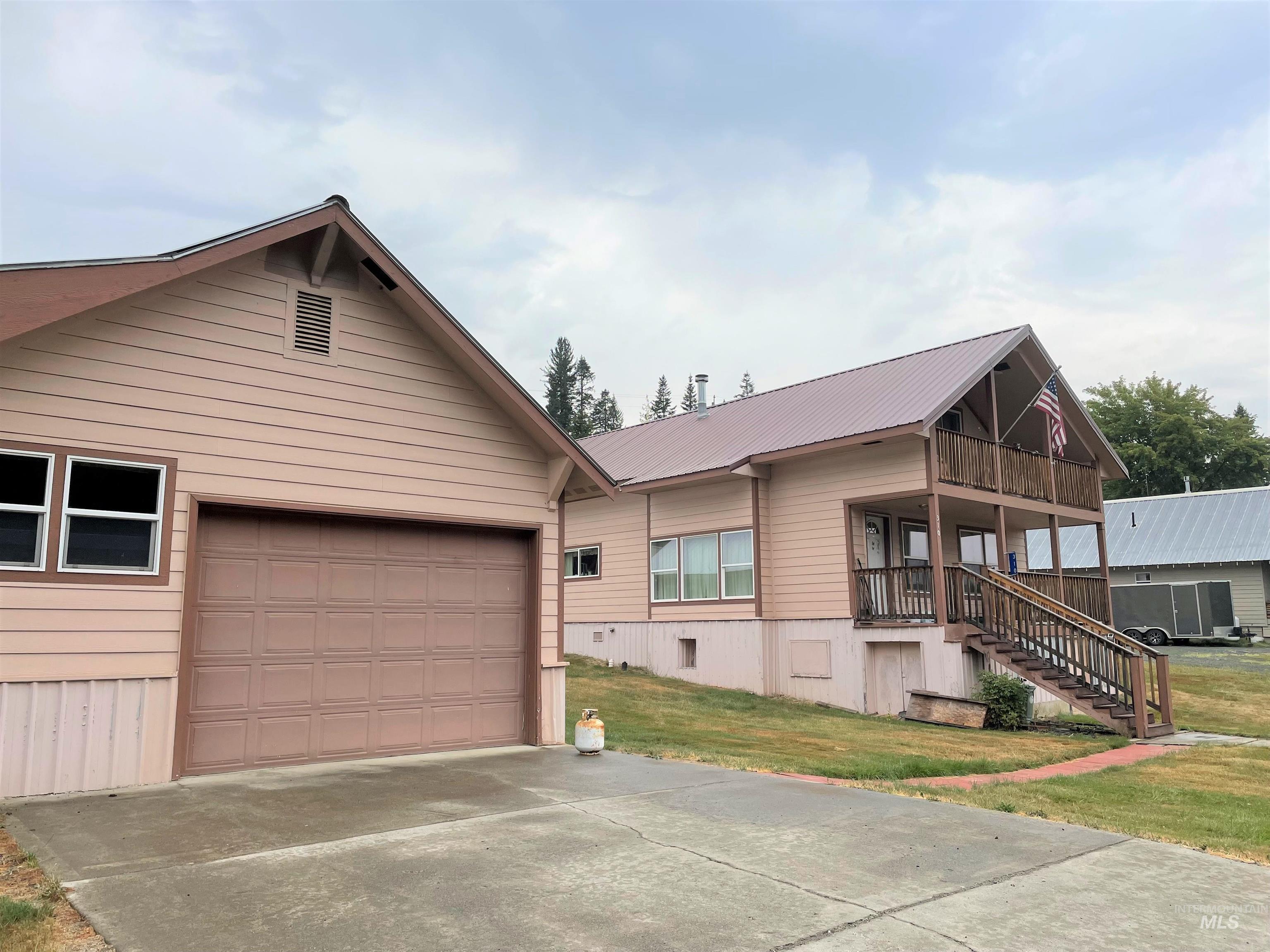 310 S 2nd, Elk River, ID 83827