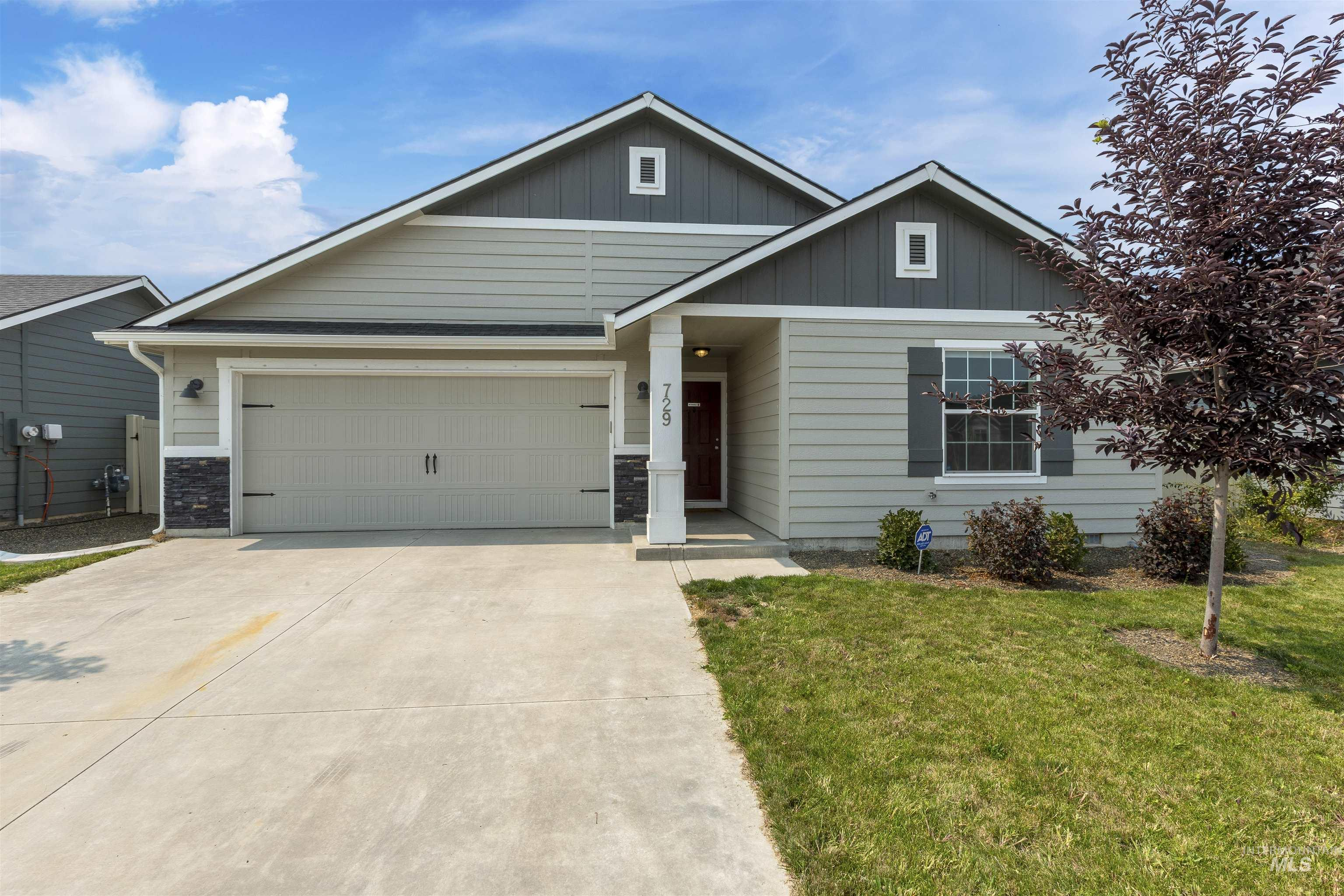 LIVES LARGE AND PERFECTLY LOCATED MERIDIAN HOME! – This well-maintained, open-plan layout is a must-see! The vaulted, spacious living room opens to both the kitchen and dining room, perfect for entertaining. The privacy of the split bedroom design is sure to please. Features include upgraded cabinets, dual vanity, energy-efficient construction, and more. Located in a great neighborhood just minutes from Fuller Park, Cherry Lane Golf Course, and Chaparral Elementary School. - Carolyn J Vaught, Voice: 208-890-4894, Keller Williams Realty Boise, Main: 208-672-9000, http://www.iknowidaho.com.com