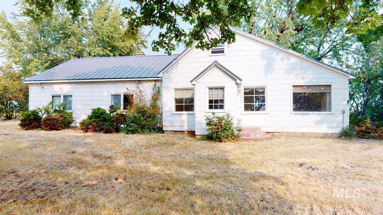 1670 Little Bear Ridge Rd., Troy, ID 83871