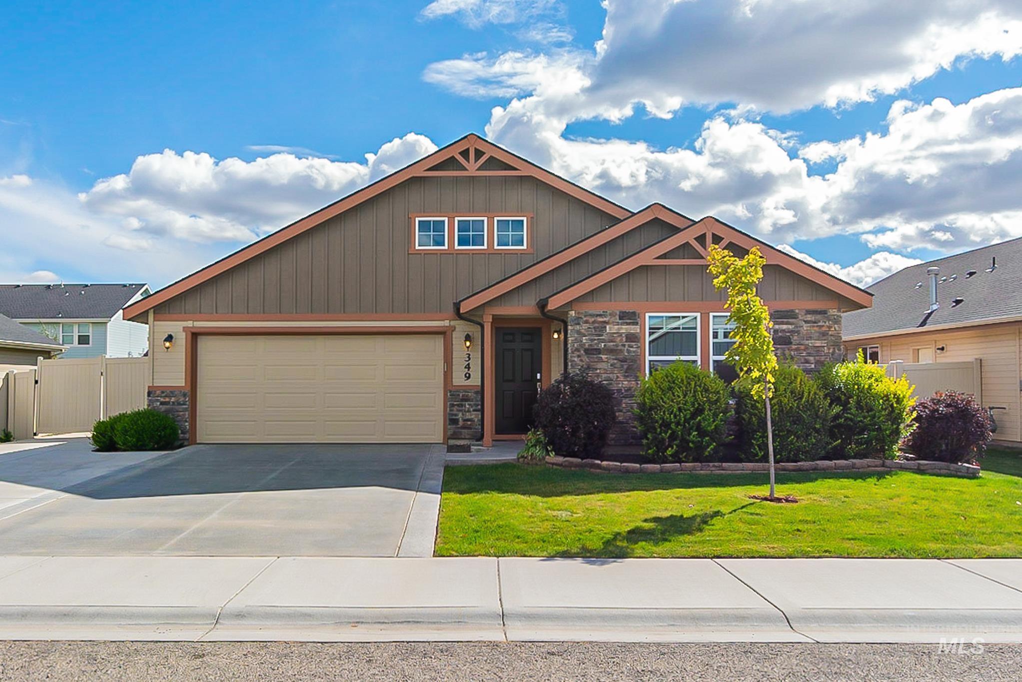 Built in 2016, this Meridian one-story home offers granite countertops, and a two-car garage. - Austin Najera, Main: 208-487-8417, Opendoor Brokerage LLC, Main: 480-351-6622,