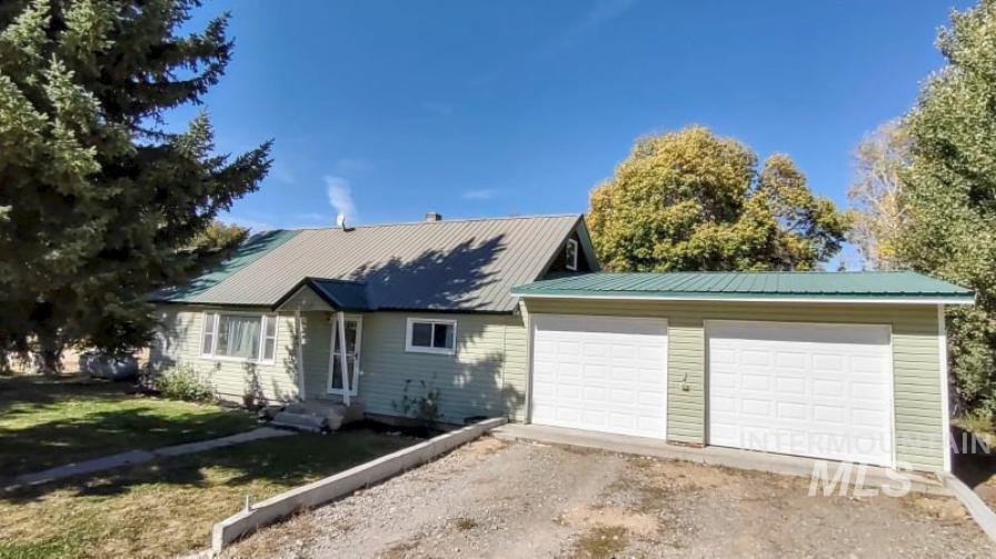 205 Alturas Ave East, Fairfield, ID 83327