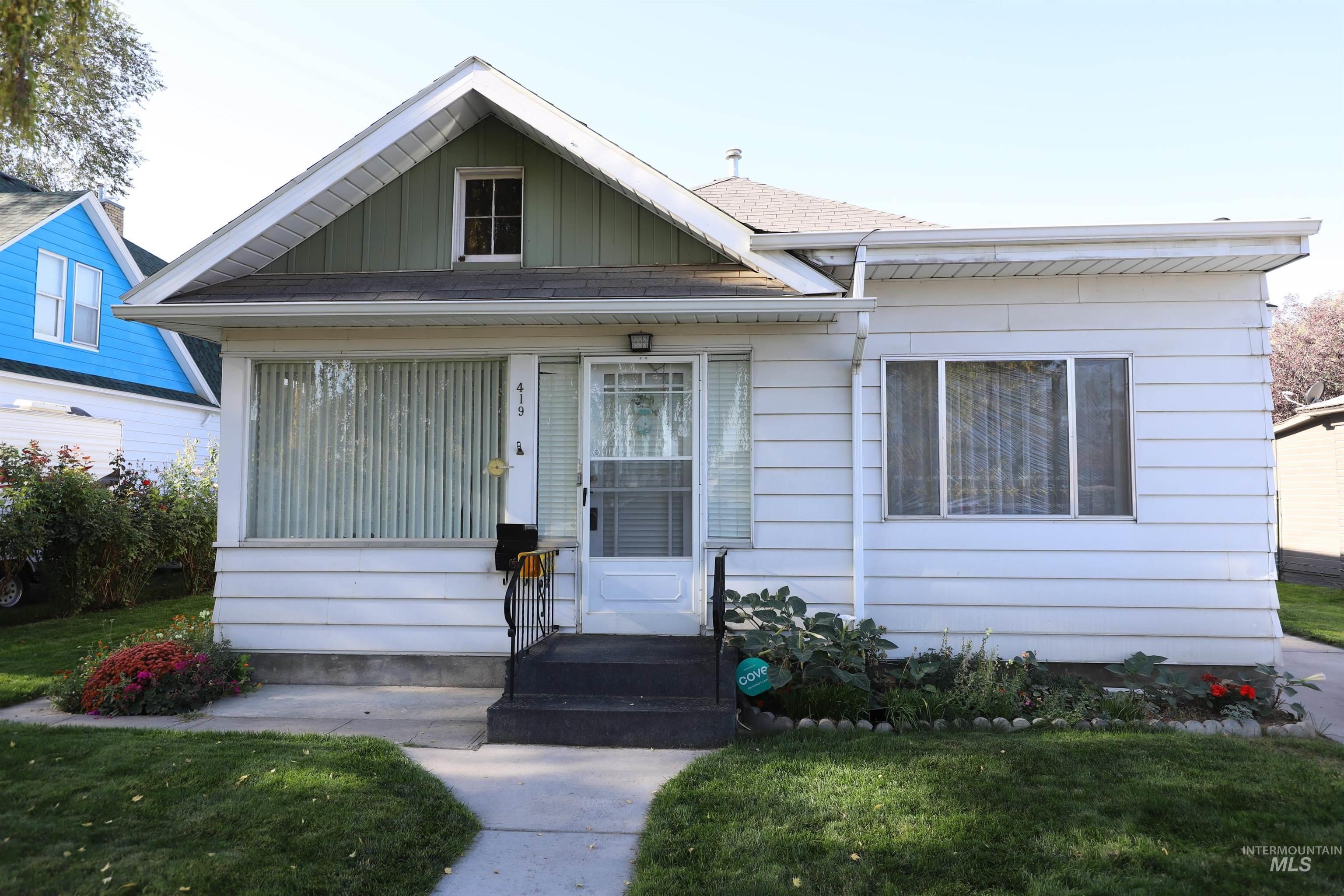 419 3rd Ave. W.