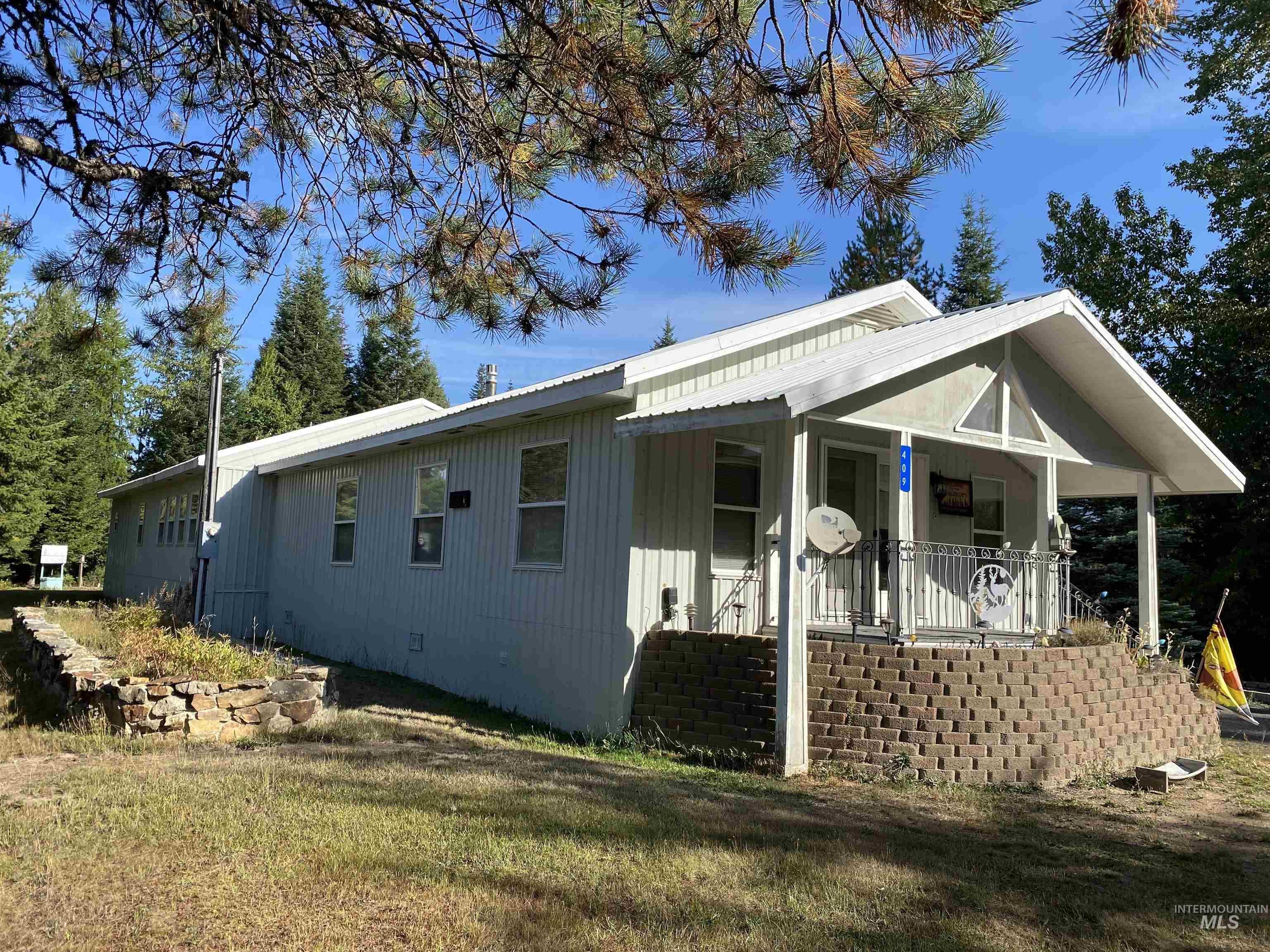 409 S 2nd ST, Elk River, ID 83827
