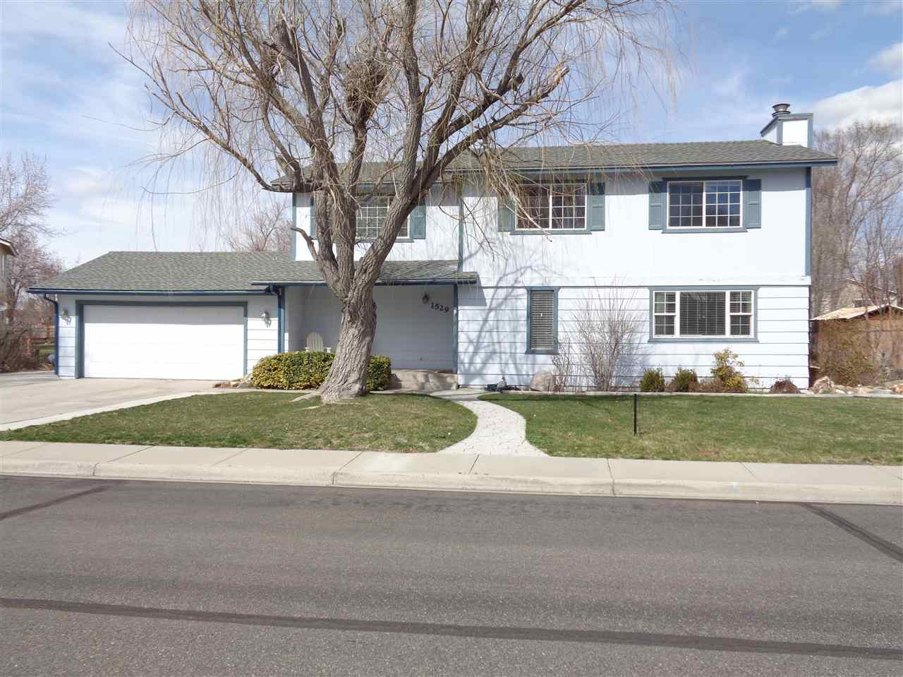 Single Family Home for Active at 1529 Hussman Avenue 1529 Hussman Avenue Gardnerville, Nevada 89410 United States