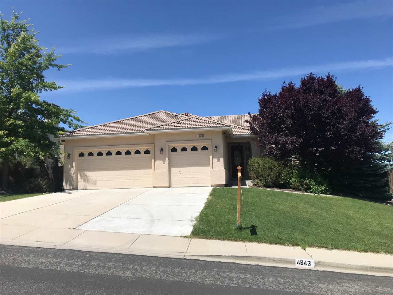 Single Family Home for Active at 4943 Foxcreek Trail Reno, Nevada 89519 United States