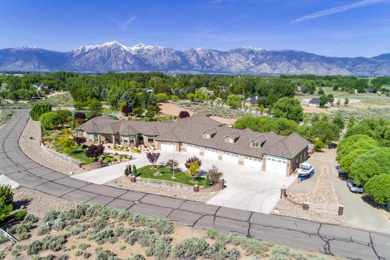 Single Family Homes for Active at 1560 Willow Creek Gardnerville, Nevada 89410 United States