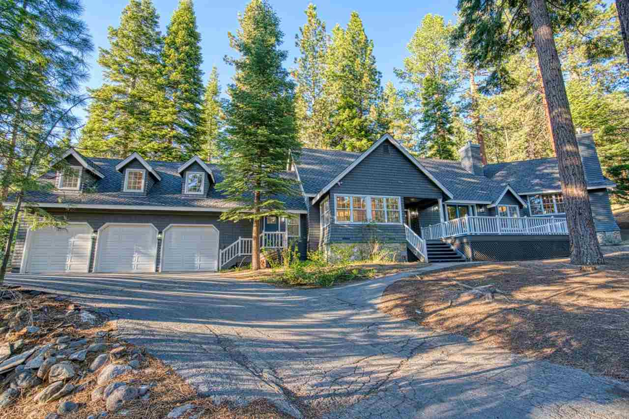 Single Family Homes for Active at 109 China Garden Glenbrook, Nevada 89413 United States