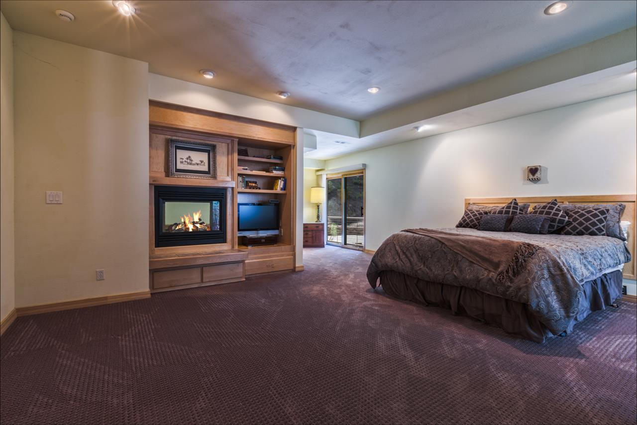 Additional photo for property listing at 369 Summit Zephyr Cove, Nevada 89449 Estados Unidos