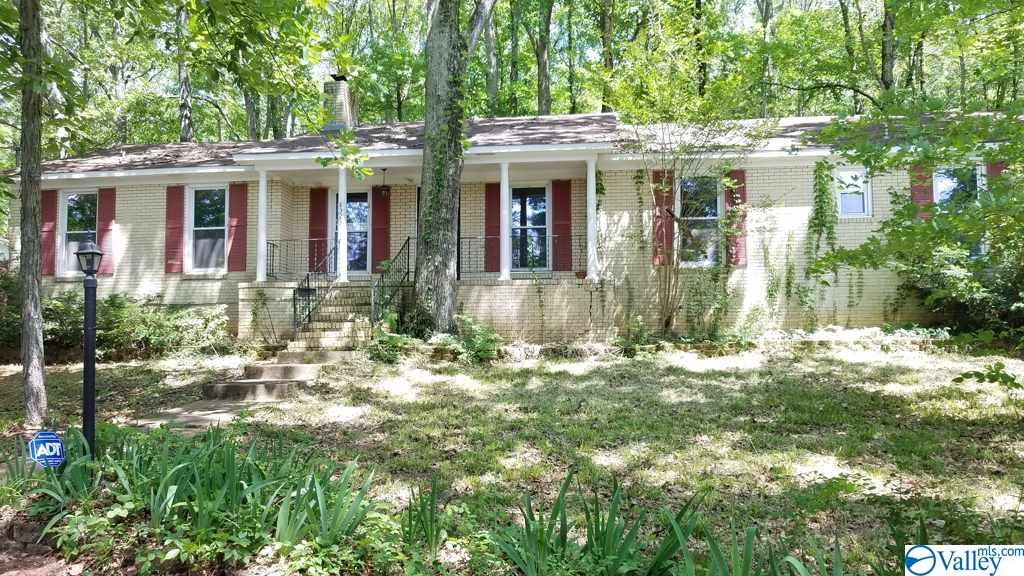 Homes with Acreage in Huntsville and Madison County Alabama